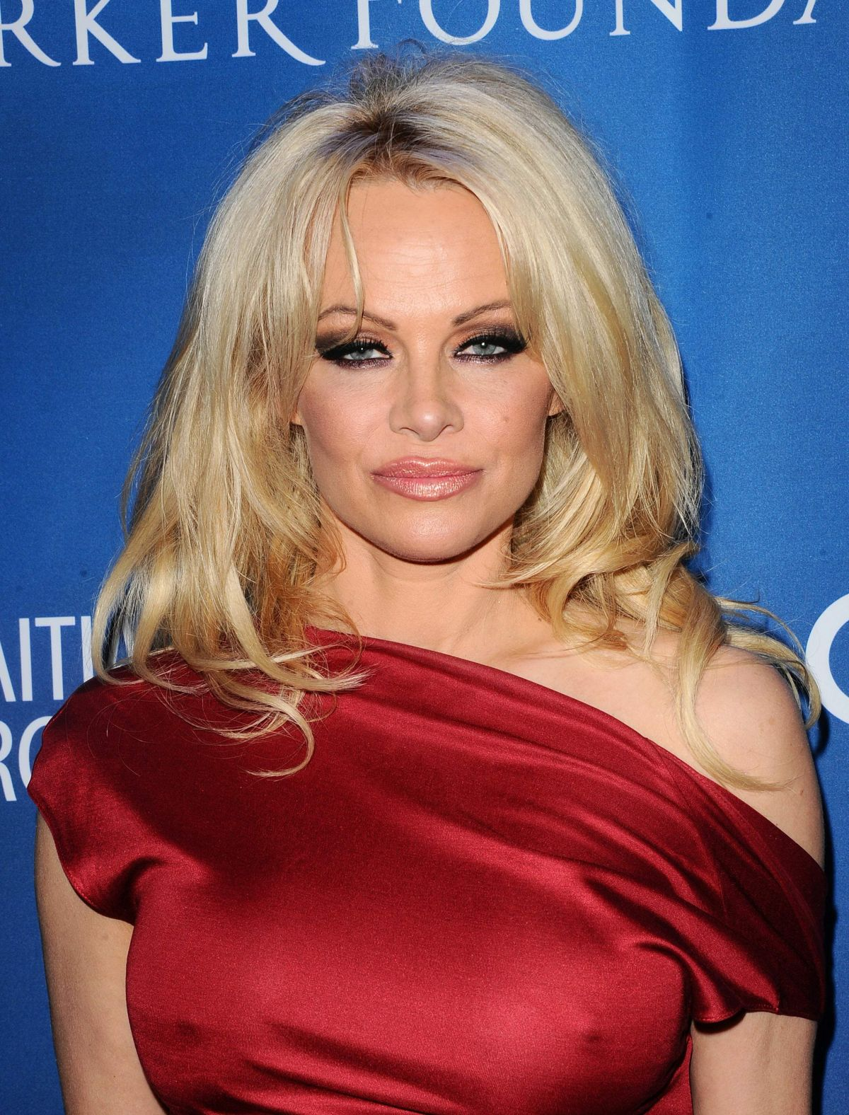PAMELA ANDERSON at Gala Benefiting Haitian Relief in Beverly Hills 01 ... Pamela Anderson