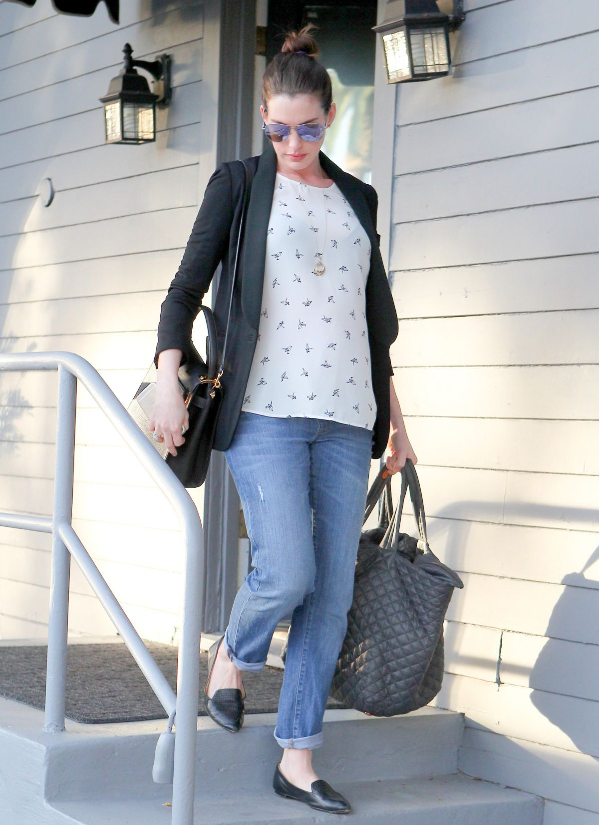 Pregnant ANNE HATHAWAY Leaves a Gym in West Hollywood 01 ...