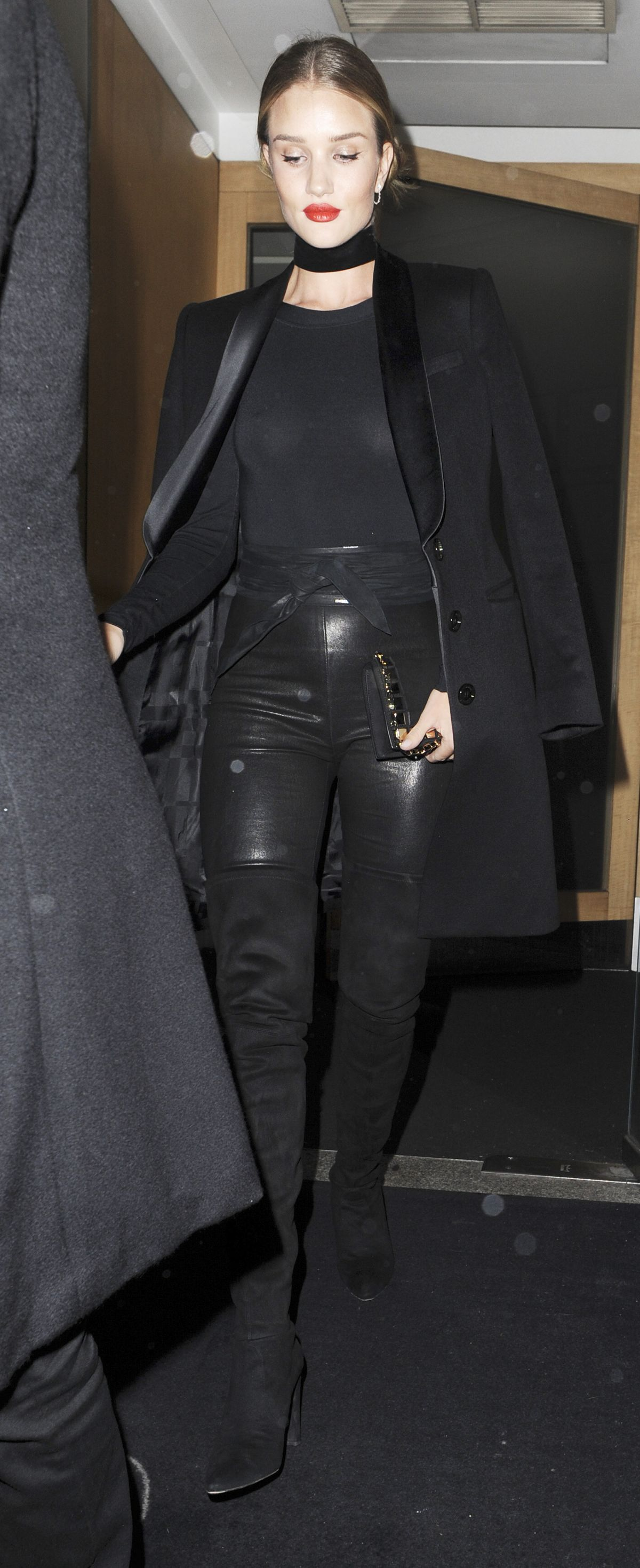 ROSIE HUNTINGTON-WHITELEY Leaves Nobu Restaurant in London 01/29/2016