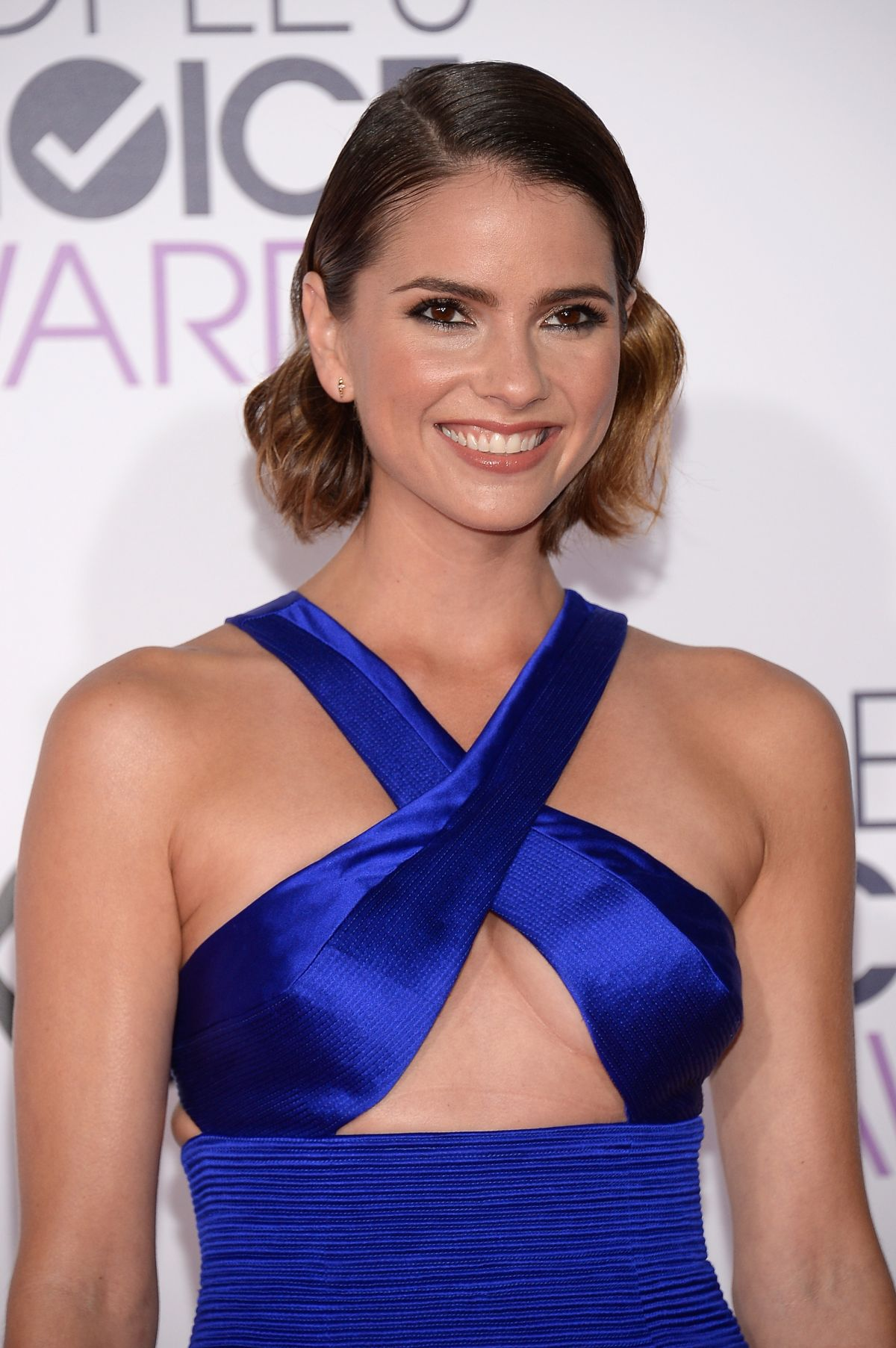 shelley hennig gif tumblr