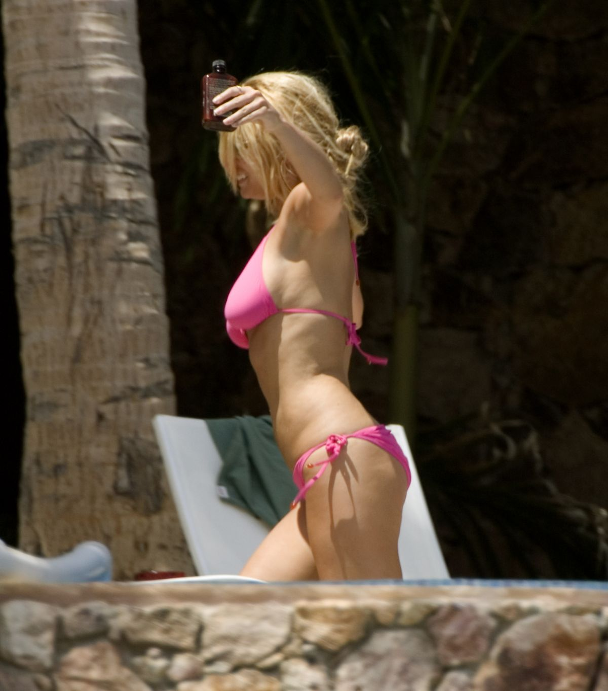 f1b3d4d799 the-best-from-past-jessica-simpson-in-bikini -at-a-pool-in-cabo-san-lucas-11-07-2006_12