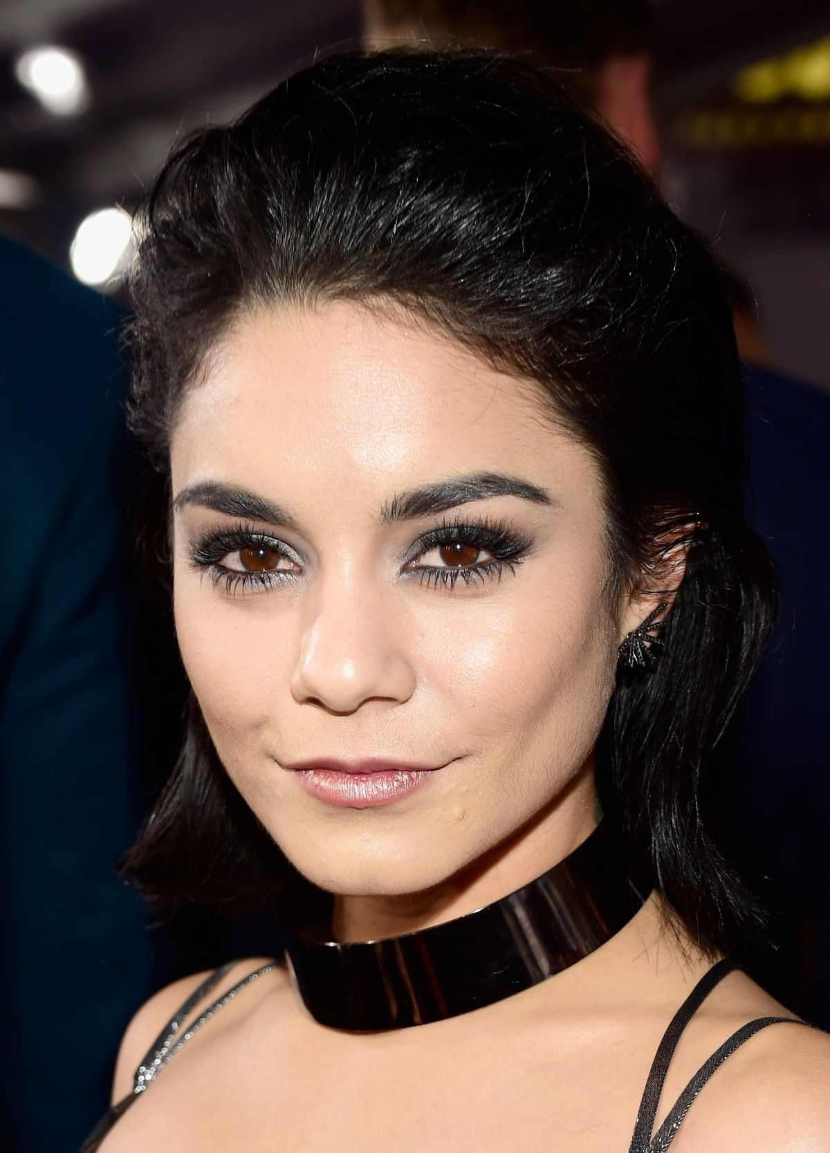 The 29-year old daughter of father Greg Hudgens and mother Gina Guangco Hudgens, 155 cm tall Vanessa Hudgens in 2018 photo