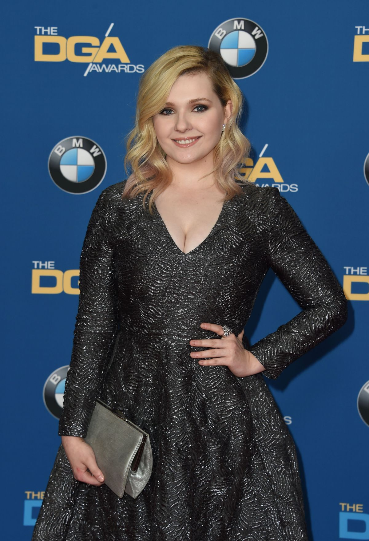 The 21-year old daughter of father Michael Breslin and mother Kim Breslin, 155 cm tall Abigail Breslin in 2017 photo