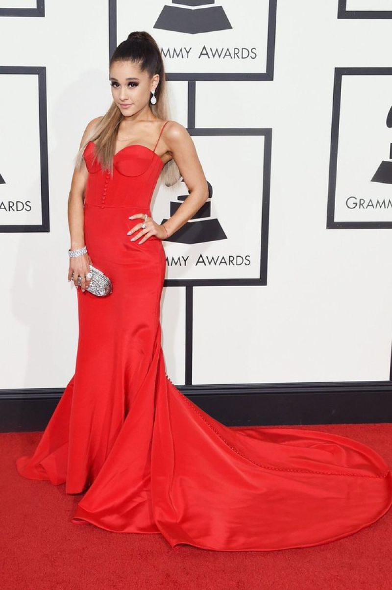 http://www.hawtcelebs.com/wp-content/uploads/2016/02/ariana-grande-at-grammy-awards-2016-in-los-angeles-02-15-2016_21.jpg