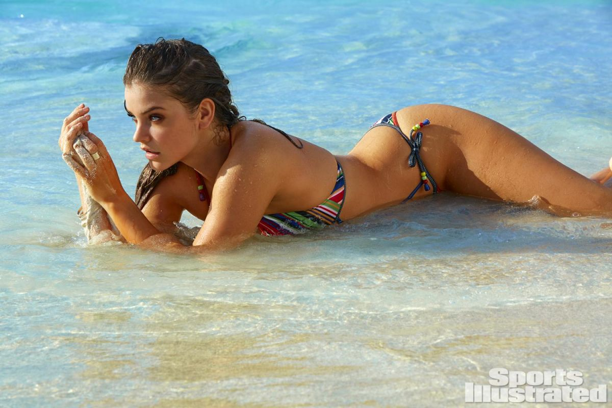 BARBARA PALVIN in Sports Illustrated Swimsuit Issue 2016 - HawtCelebs ...