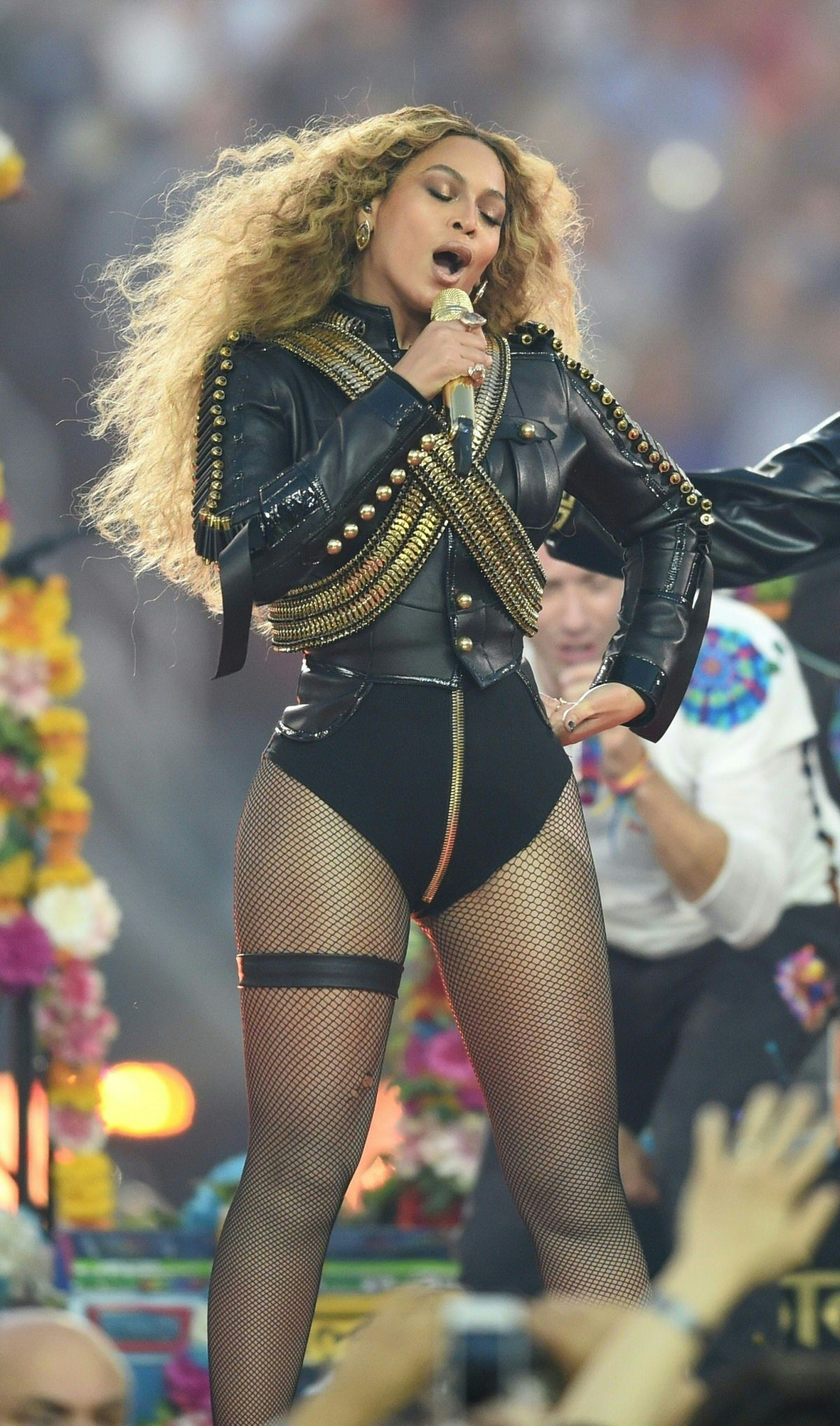 BEYONCE KNOWLES Perfor... Beyonce Knowles Formation Super Bowl