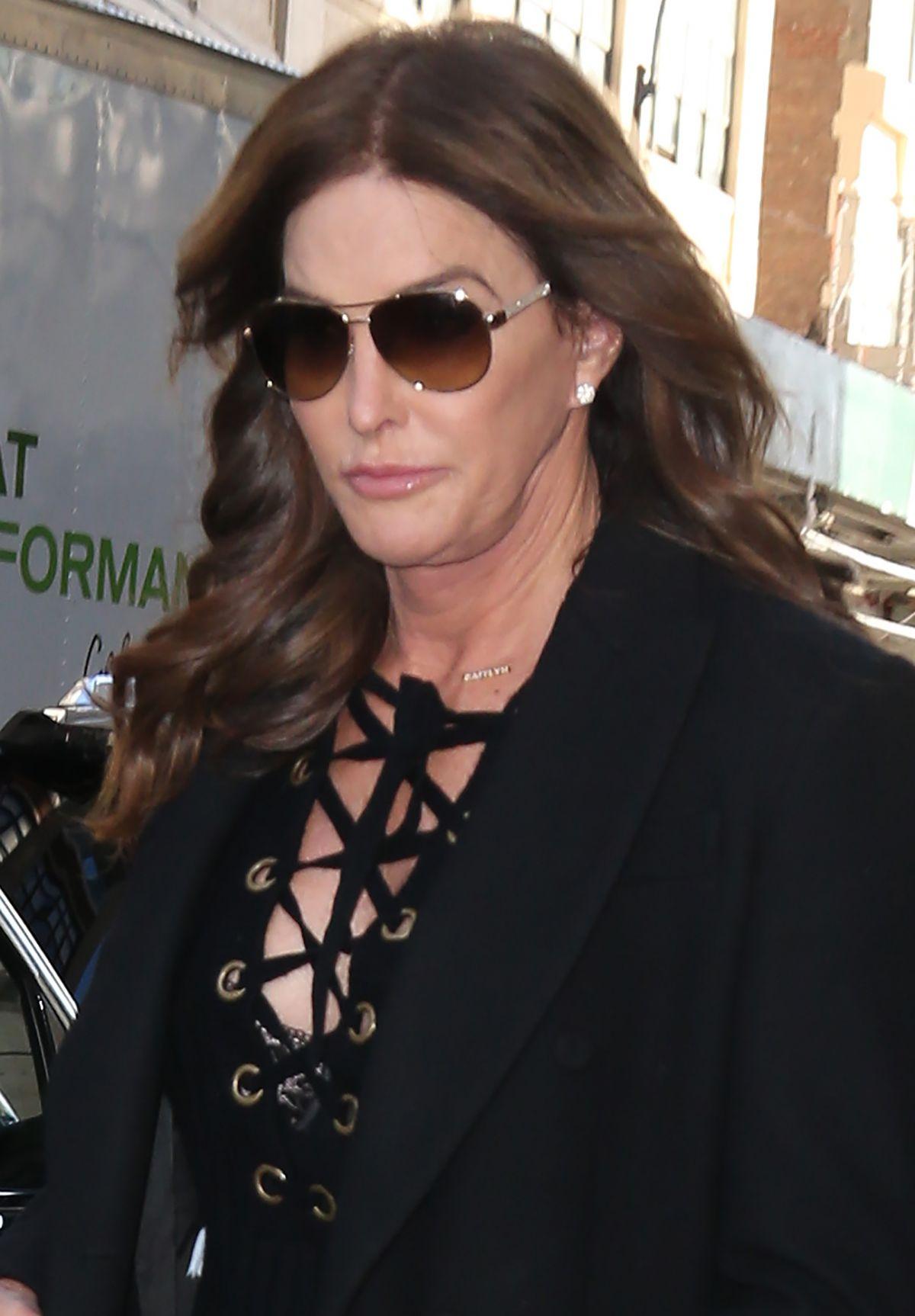 Caitlyn Jenner Leaves Her Hotel In New York 02 11 2016