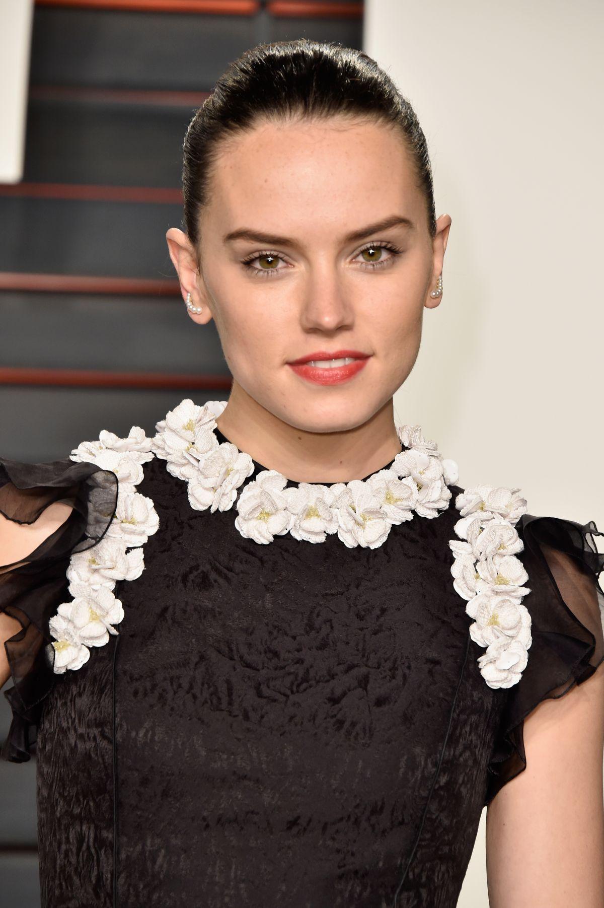 DAISY RIDLEY at Vanity Fair Oscar 2016 Party in Beverly Hills 02/28/2016
