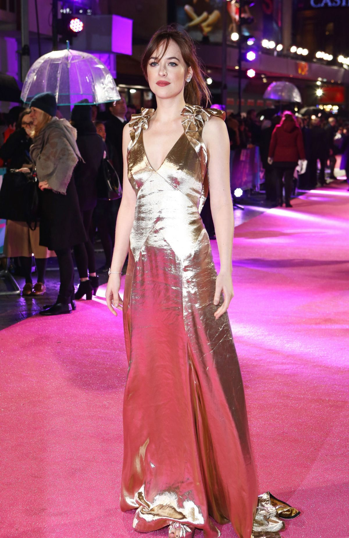 Dakota johnson at how to be single premiere in london 02092016 dakota johnson at how to be single premiere in london 02092016 ccuart Choice Image
