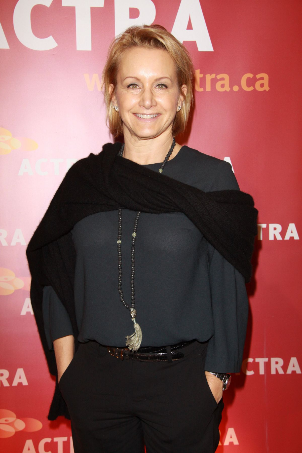 gabrielle carteris feet