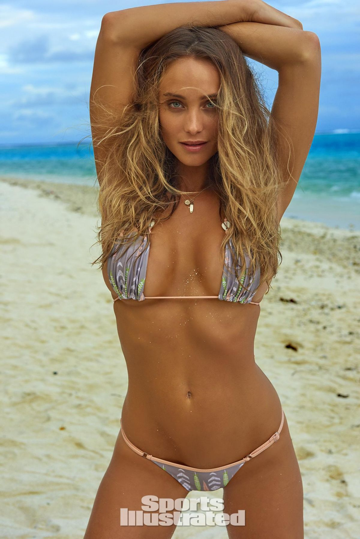 HANNAH DAVIS in Sports Illustrated Swimsuit Issue 2016 - HawtCelebs ...