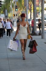 JOSELINE HERNANDEZ Out Shopping in Los Angeles 02/11/2016