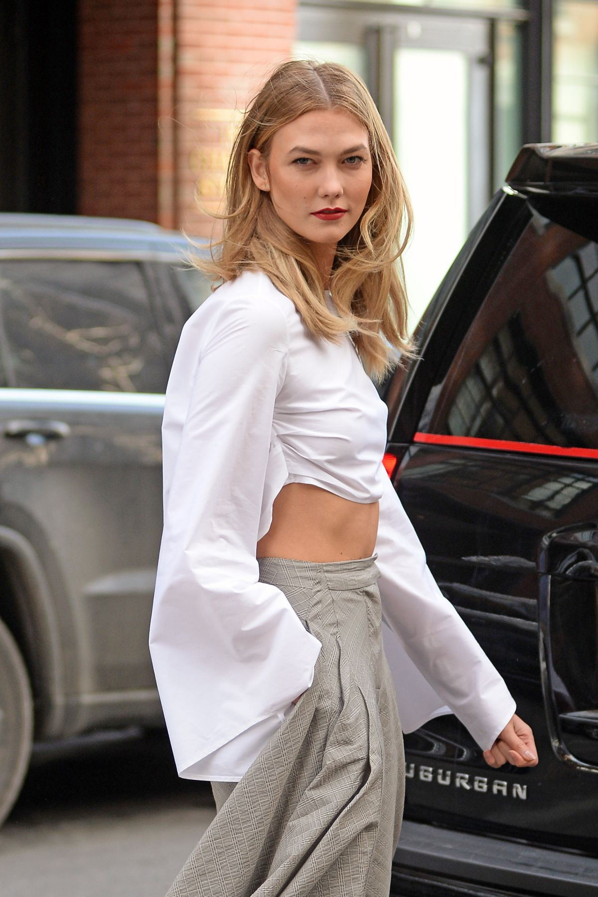 KARLIE KLOSS on the Set of a Photoshoot in West Village 02/11/2016