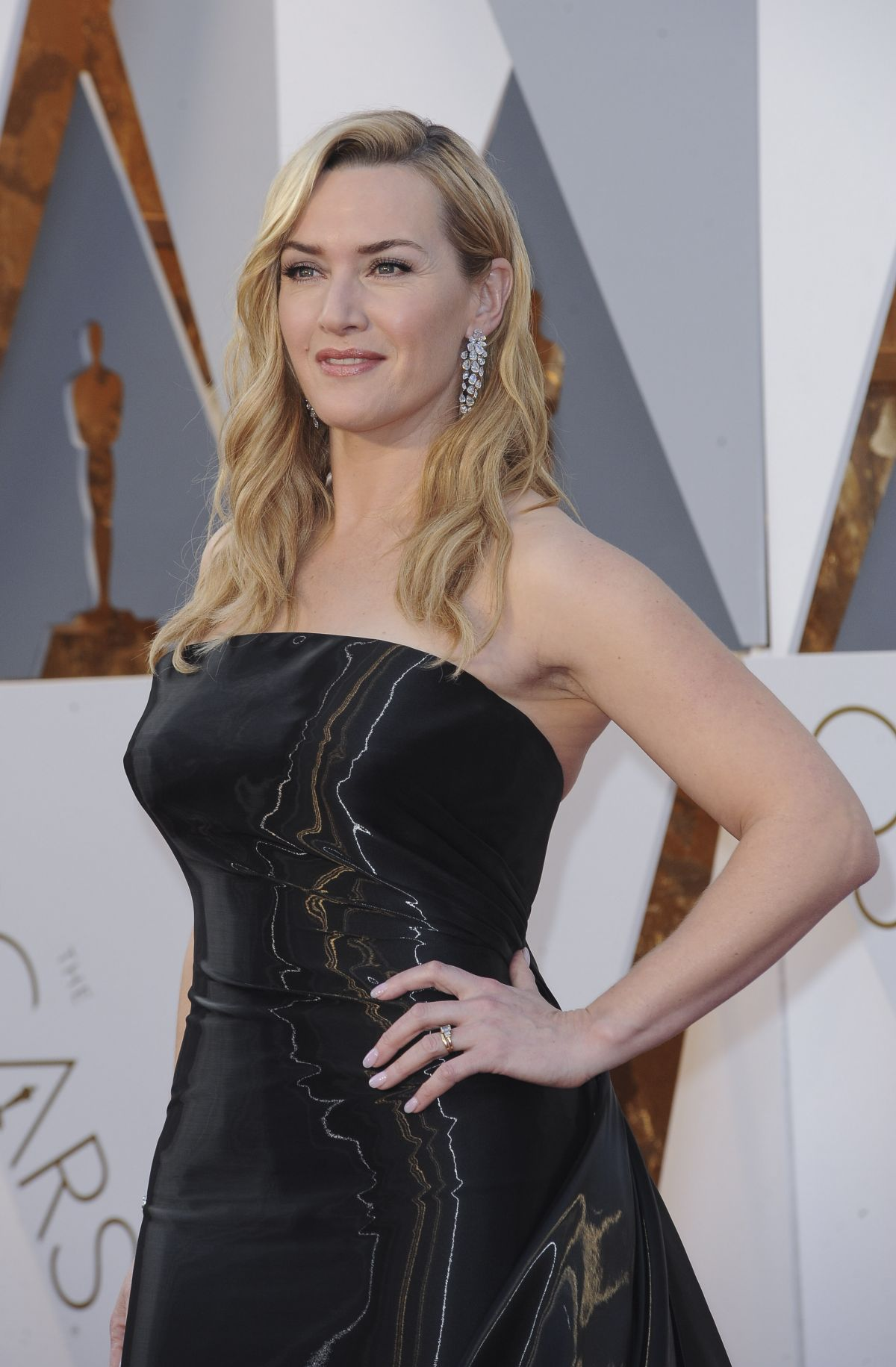 KATE WINSLET at 88th Annual Academy Awards in Hollywood 02/28/2016