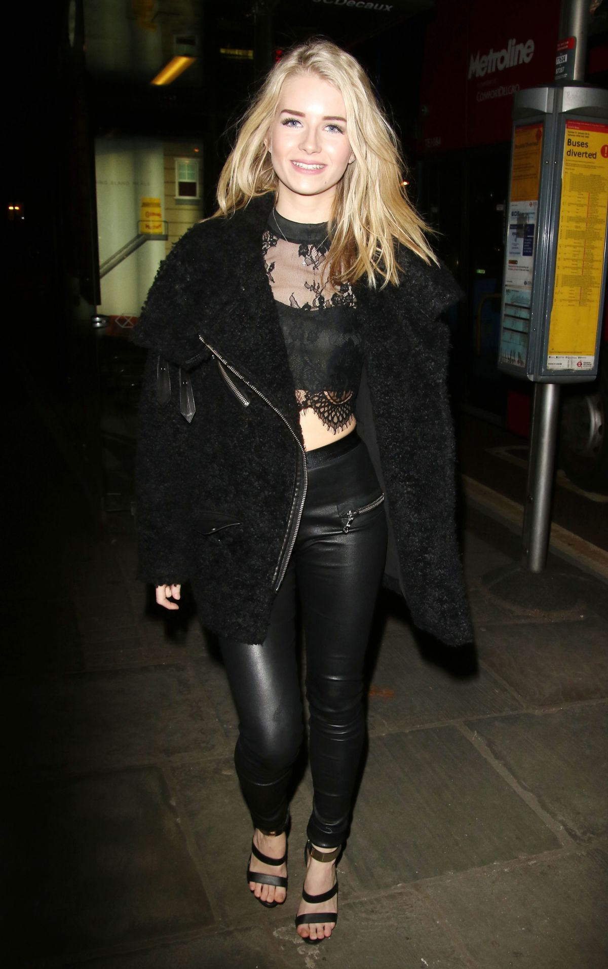 LOTTIE MOSS at Centrepoint Ultimate Pub Quiz in London 02/02/2016