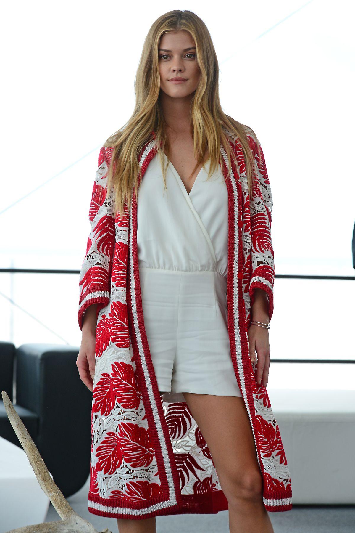 Nina Agdal At Si Swimsuit 2016 Swim Beach In Miami 02 18