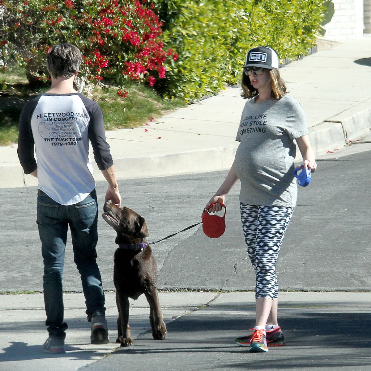 Anne Hathaway Real Name: Pregnant ANNE HATHAWAY Walks Her Dog Out In Los Angeles 02
