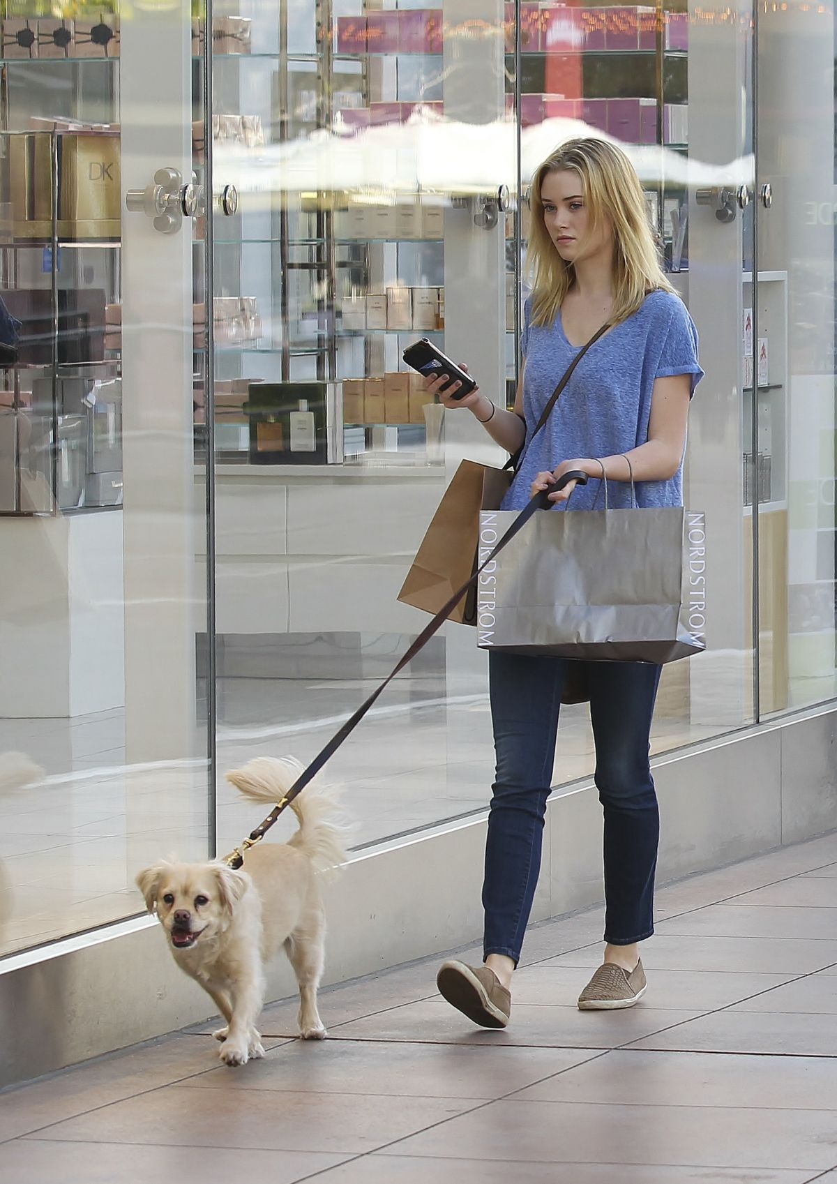 SARA PAXTON Walks Her Dog Out in West Hollywood 02/28/2016