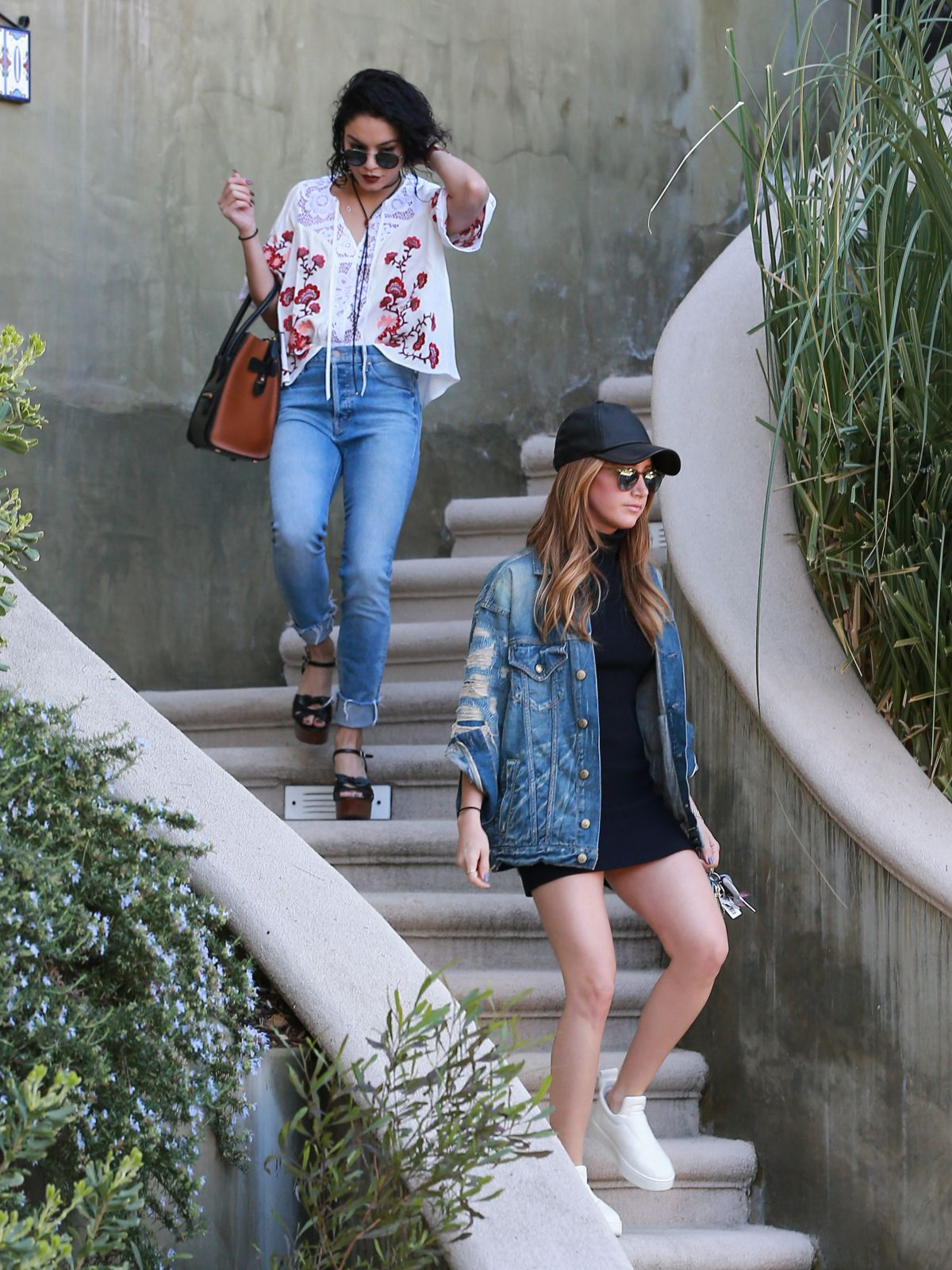 VANESSA HUDGENS and ASHLEY TISDALE Leaves Vanessa's House ...