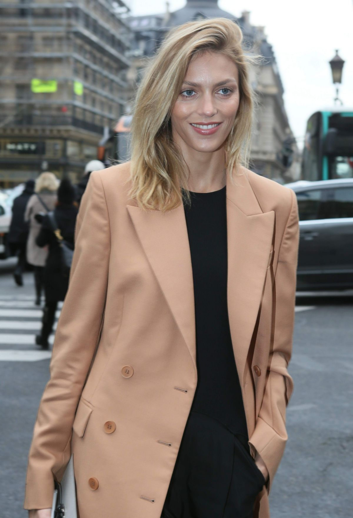 ANJA RUBIK at Stella McCartney Fashion Show in Paris 03/07/2016 ...