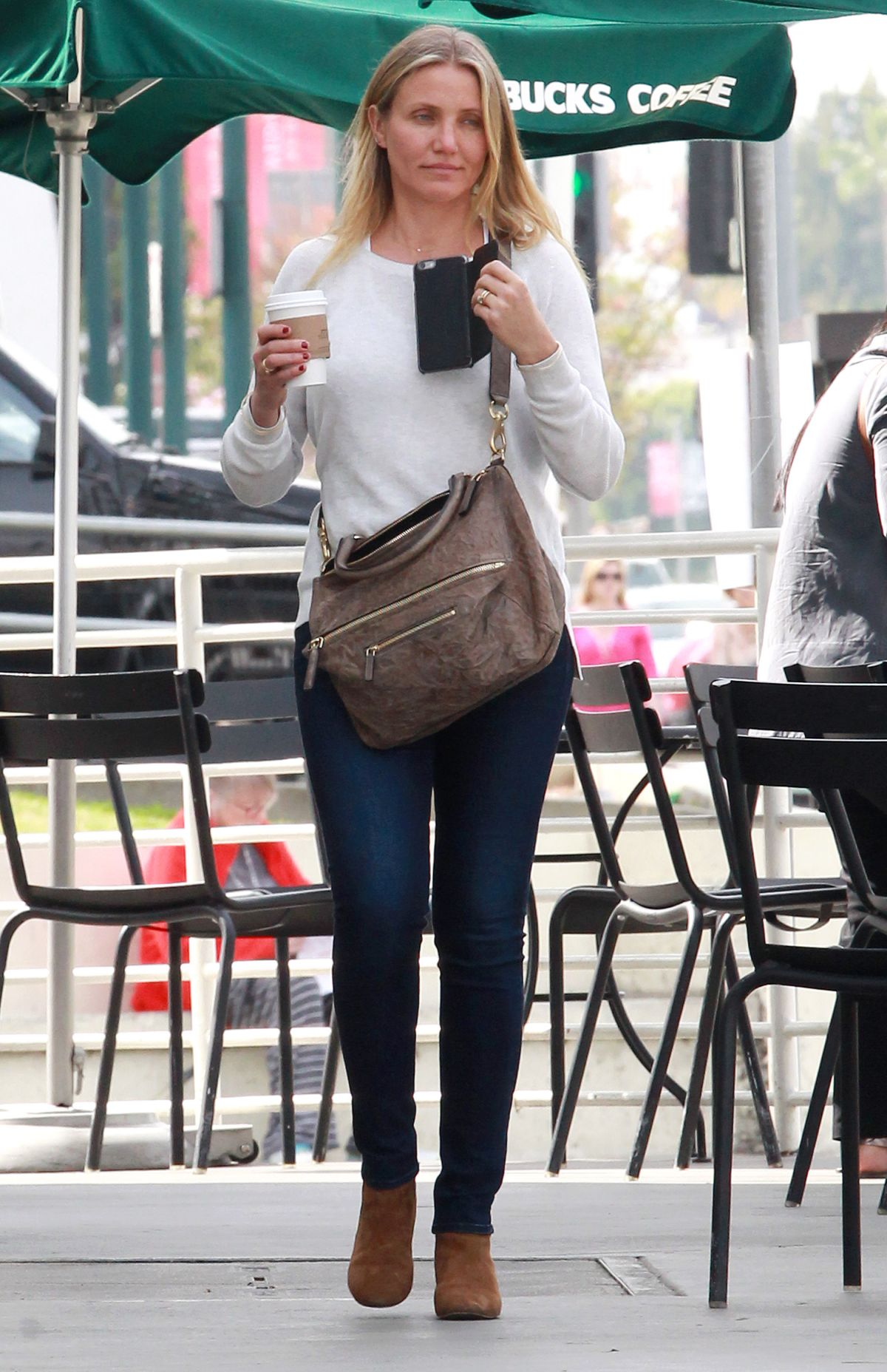 CAMERON DIAZ Out for C...