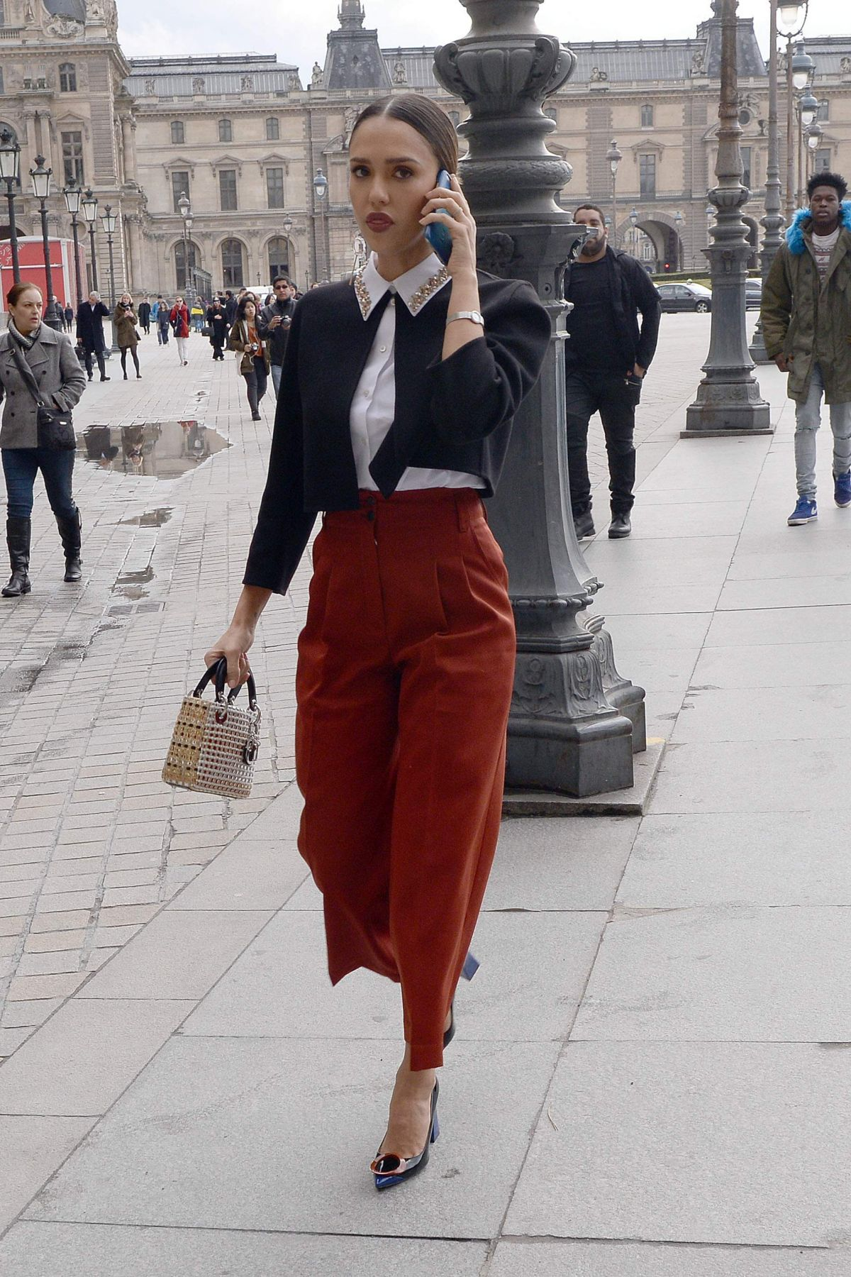 Jessica Alba Arrives At Dior Fashion Show In Paris 03 04 2016 Hawtcelebs