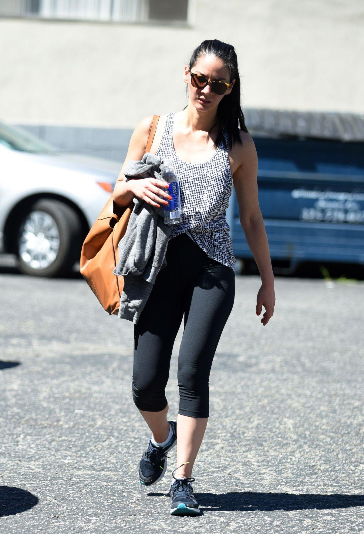 Kim Kardashian Leaving Bodyfactory Juice Bar In Los Angeles August 28th 2009