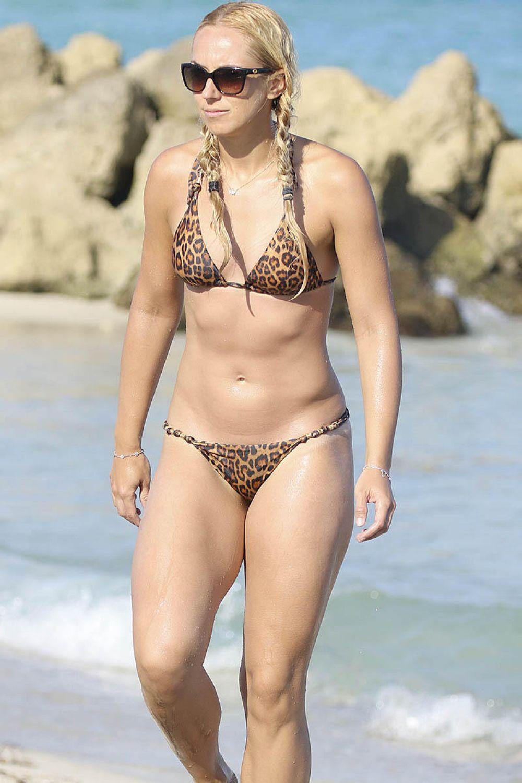 Bikini Sabine Lisicki nude (11 pics), Tits