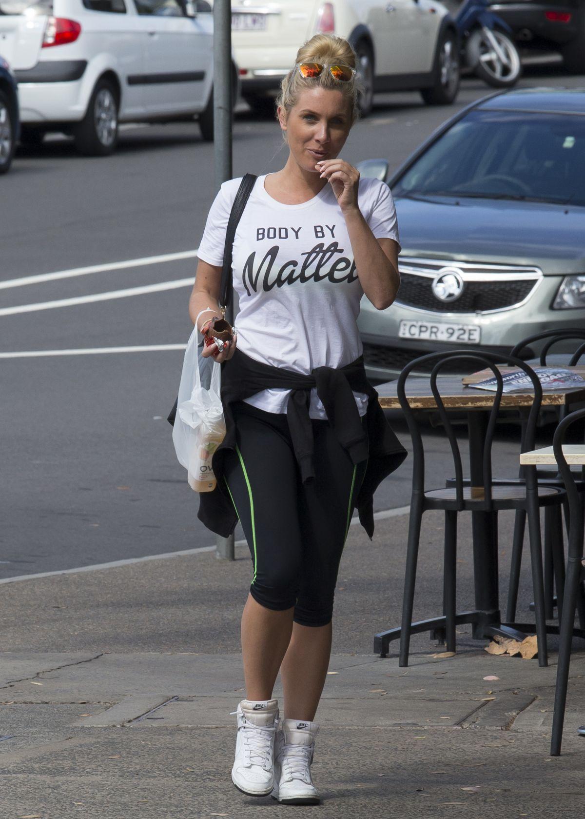 ZILDA WILLIAMS Out Shopping in Bondi 03/30/2016