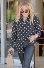 CHLOE MORETZ Shopping at Rite Aid in Beverly Hills 04/18/2016
