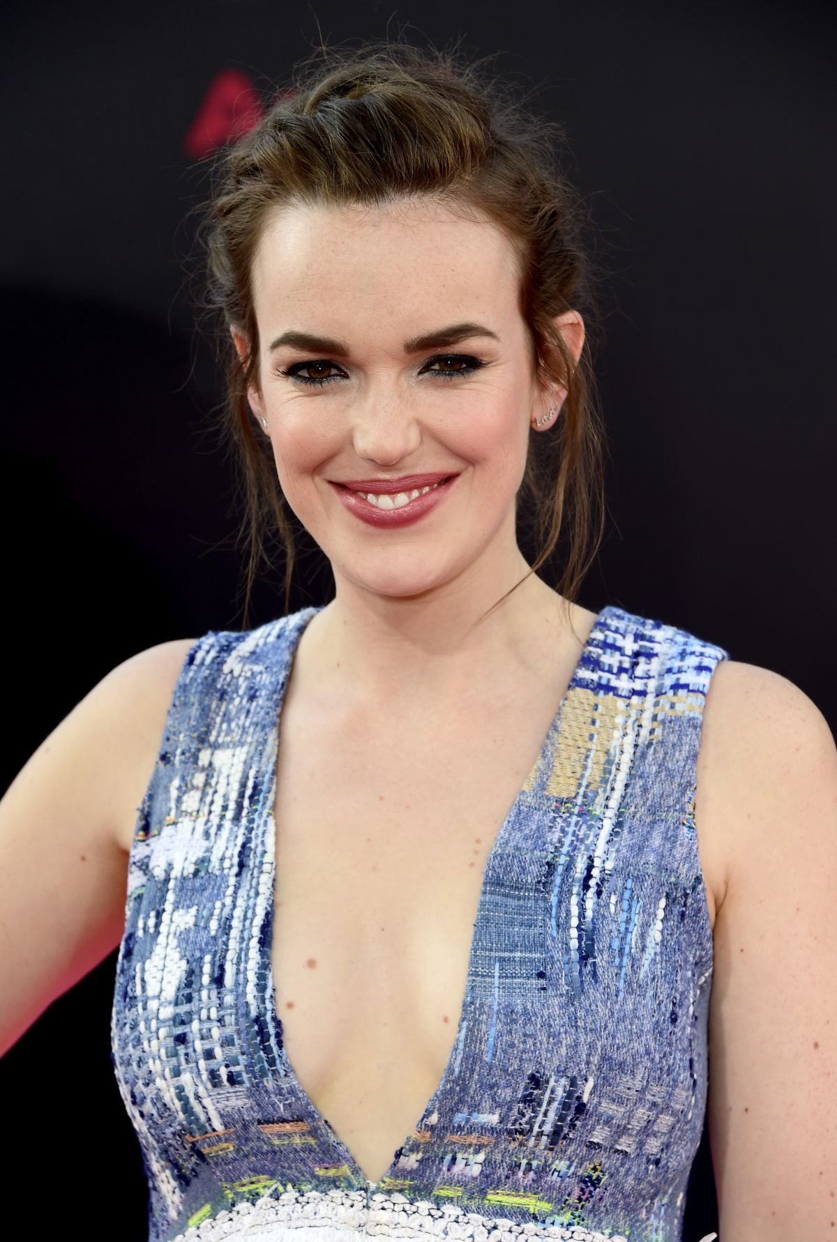 Elizabeth Henstridge Nude Photos 55