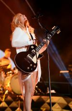 ELLIE GOULDING Performs at 2016 Coachella Valley Music and Arts Festival in Indio 04/15/2016
