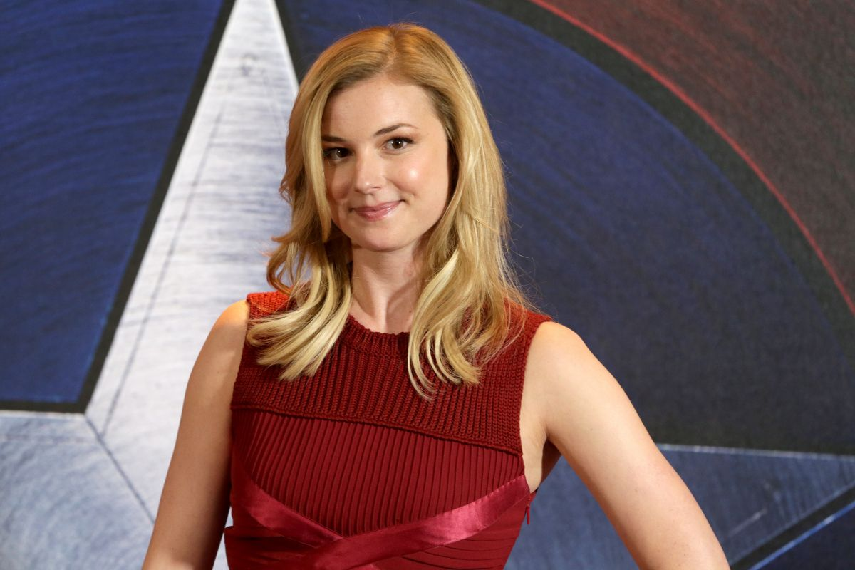 EMILY VANCAMP at Capta...