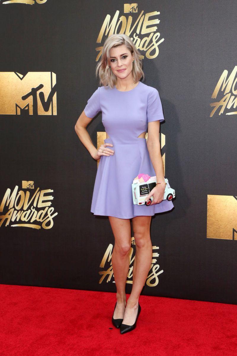 GRACE HELBIG at 2016 MTV Movie Awards in Burbank 04/09/2016