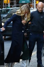 GWYNETH PALTROW Out and About in Chelsea 04/12/2016