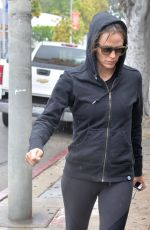JENNIFER GARNER Leaves a Gym in West Hollywood 04/09/2016
