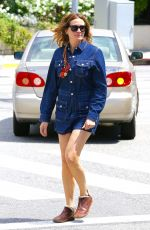 JULIA ROBERTS Out and About in Santa Monica 04/10/2016