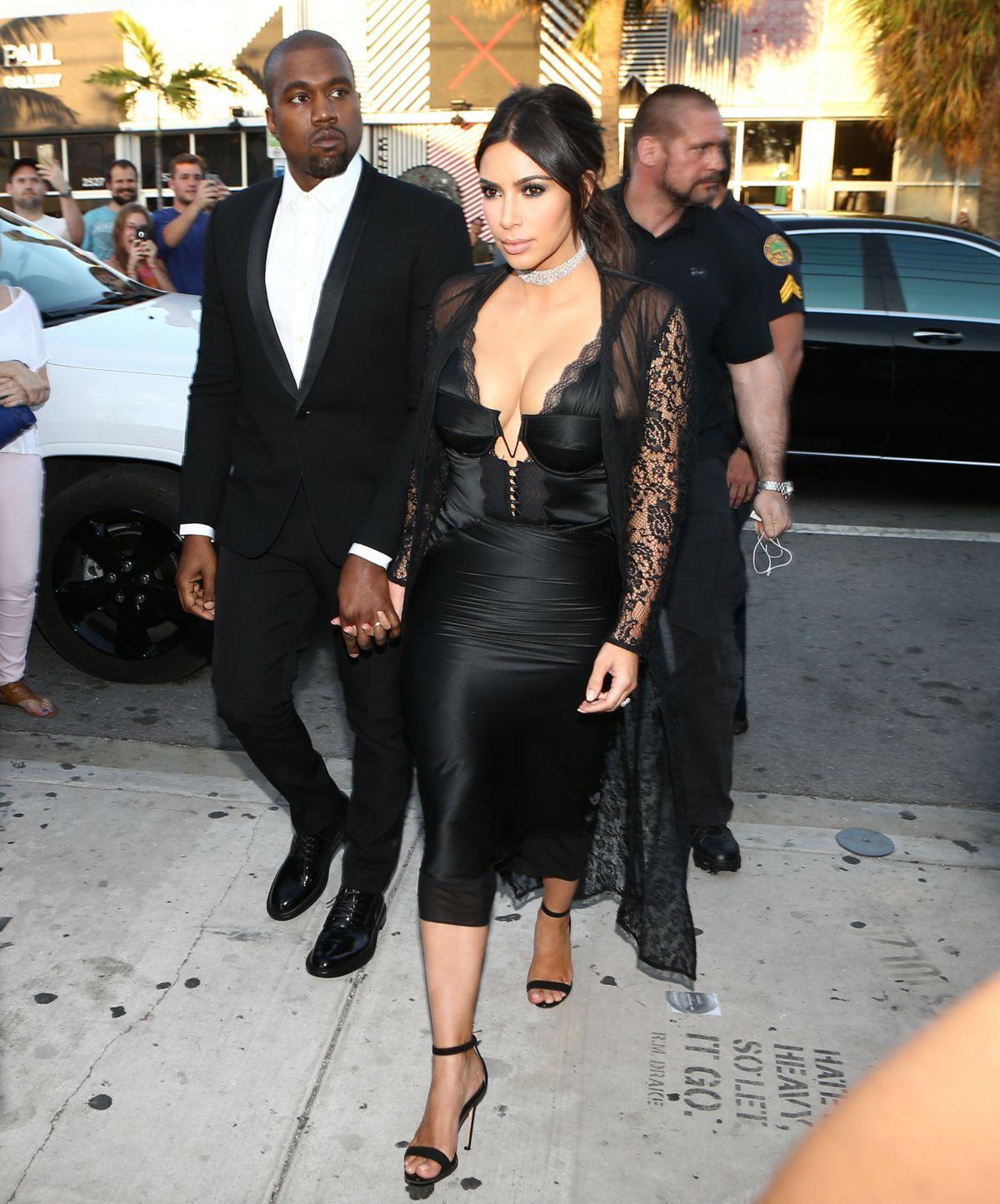 Kanye Kim Wedding: KIM KARDASHIAN And Kanye West Arrives At Isabela Rangel