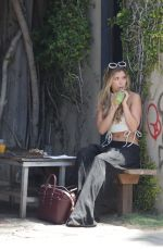 LAUREN HUTTON-FRASER Out for Lunch in Venice 04/27/2016