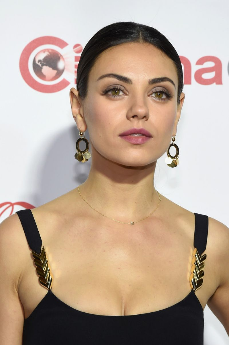 MILA KUNIS at Cinemacon Big Acreen Achievement Awards in Las Vegas 04 ... Mila Kunis