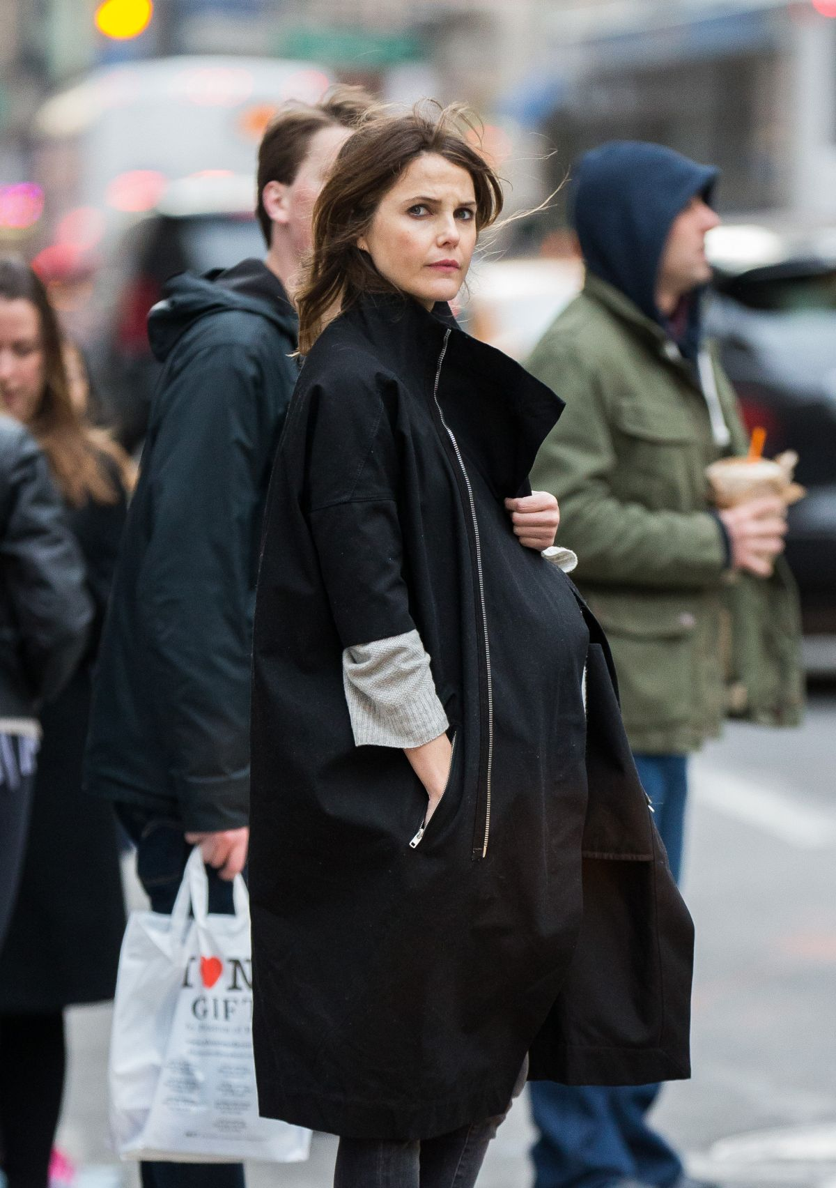 Pregnant KERI RUSSEL Out and About in Manhattan 03/19/2016