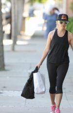 REESE WITHERSPOON Leaves a Gym in Los Angeles 04/18/2016