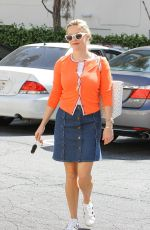 REESE WITHERSPOON Out and About in Los Angeles 04/01/2016