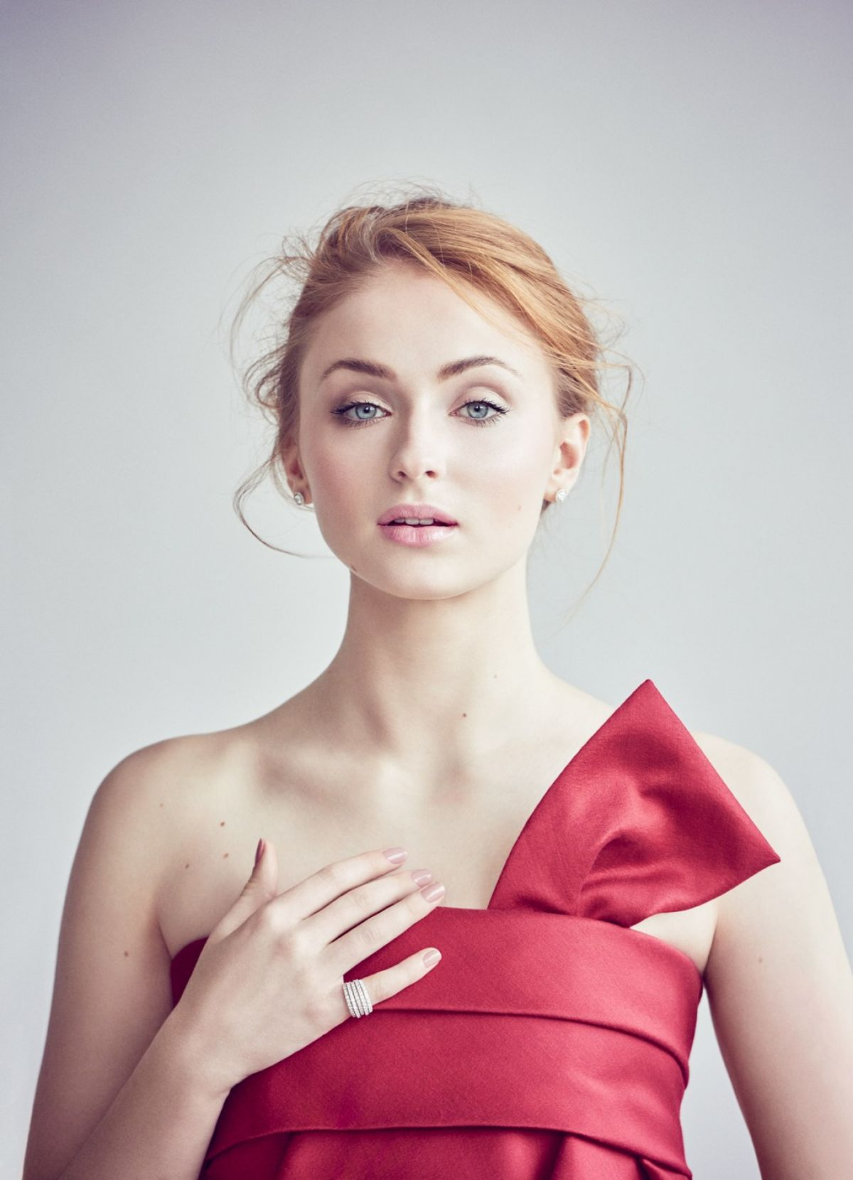 SOPHIE TURNER in Vanity Fair Magazine, April 2016 Issue