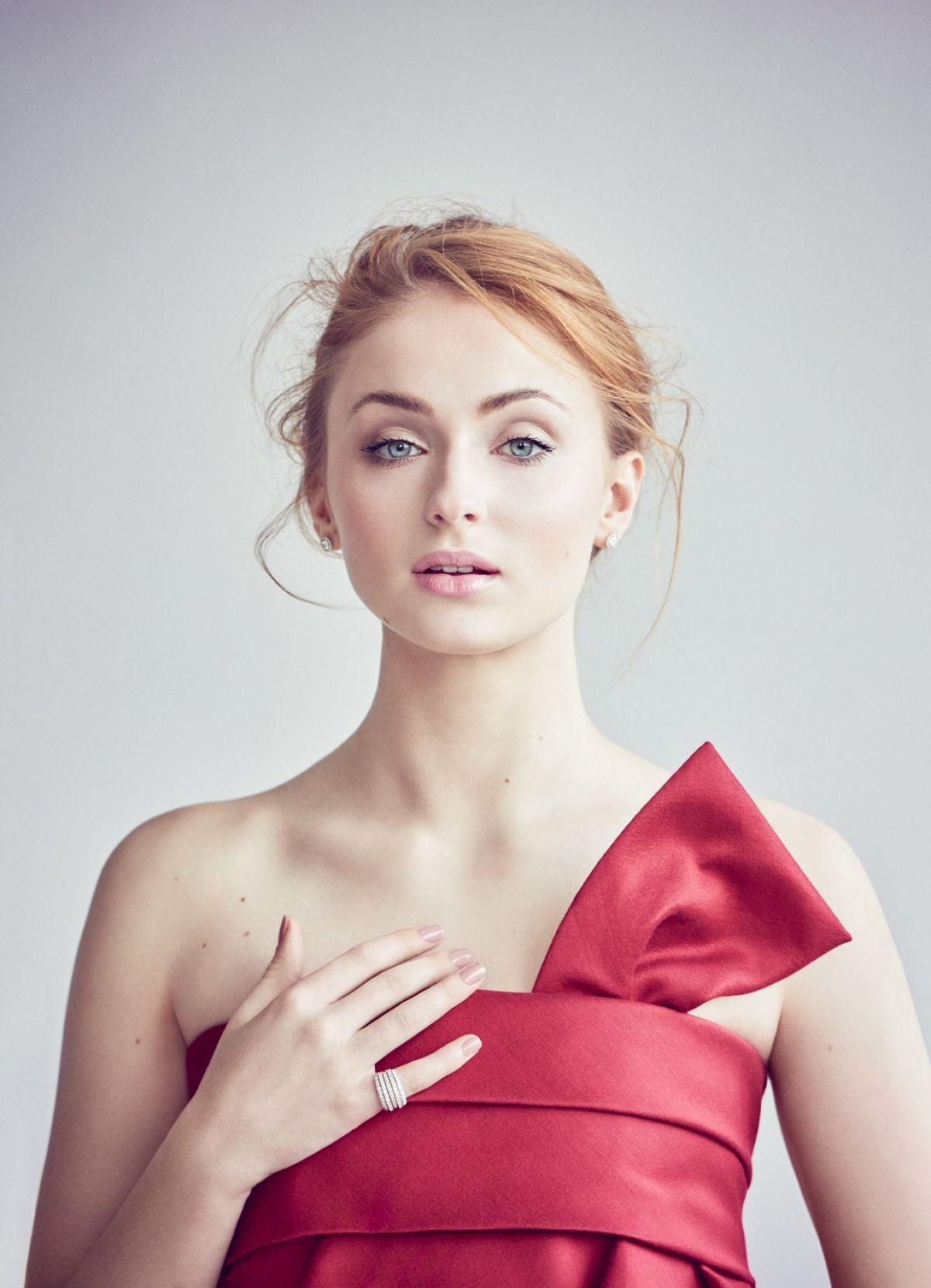 SOPHIE TURNER in Vanity Fair Magazine, April 2016 - HawtCelebs