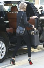 TAYLOR SWIFT Out and About in Brentwood 04/05/2016