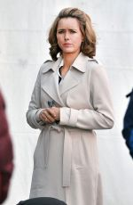 TEA LEONI on the Set of
