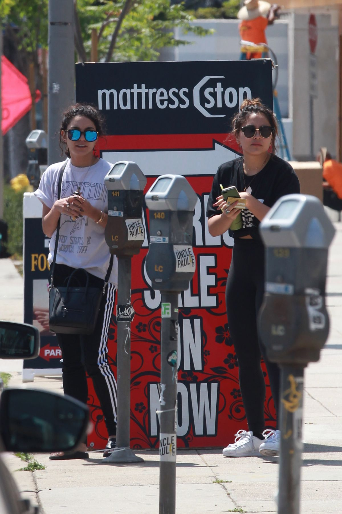 VANESSA and STELLA HUDGENS at Cryohealthcare in Los Angeles 04/12/2016