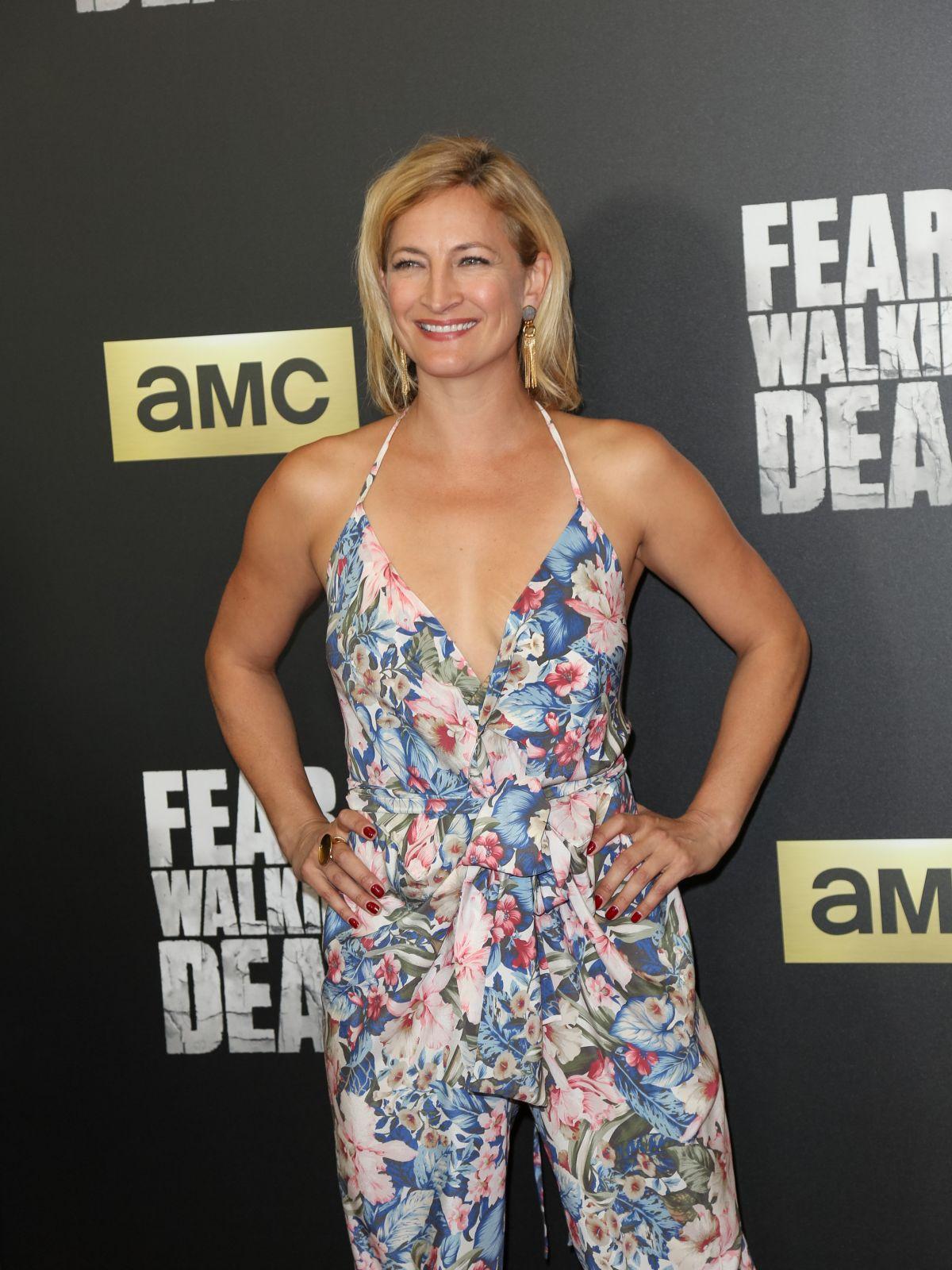 ZOE BELL at 'Fear the Walking Dead' Season 2 Premiere in Los Angeles 03/29/2016