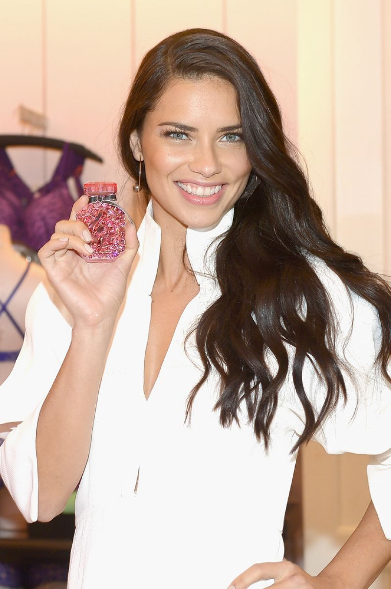 ADRIANA LIMA Pormotes VS Bombshell Fragrance in Miami 04/28/2016